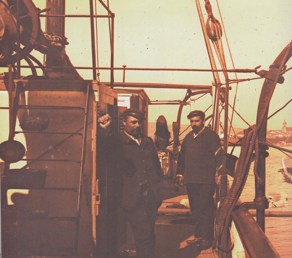 Sur le Javelot (le Javelot est la canonnière à vapeur  qui assure la surveillance de la frontière Franco-espagnole) (2)