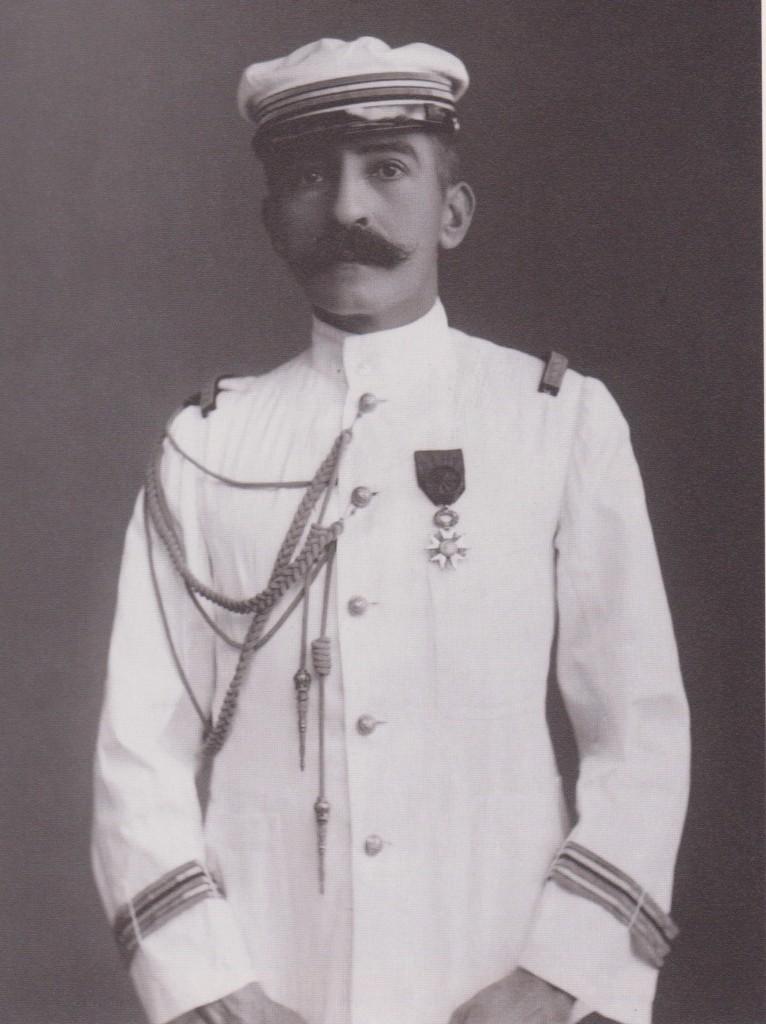 1901 en capitaine de frégate- Au Japon probablement, ou en Extrême-Orient.