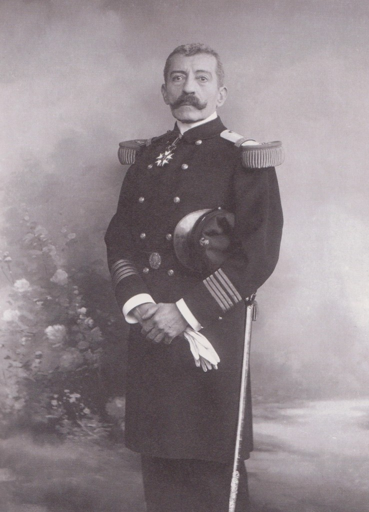 1910. Rochefort. En capitaine de vaisseau.