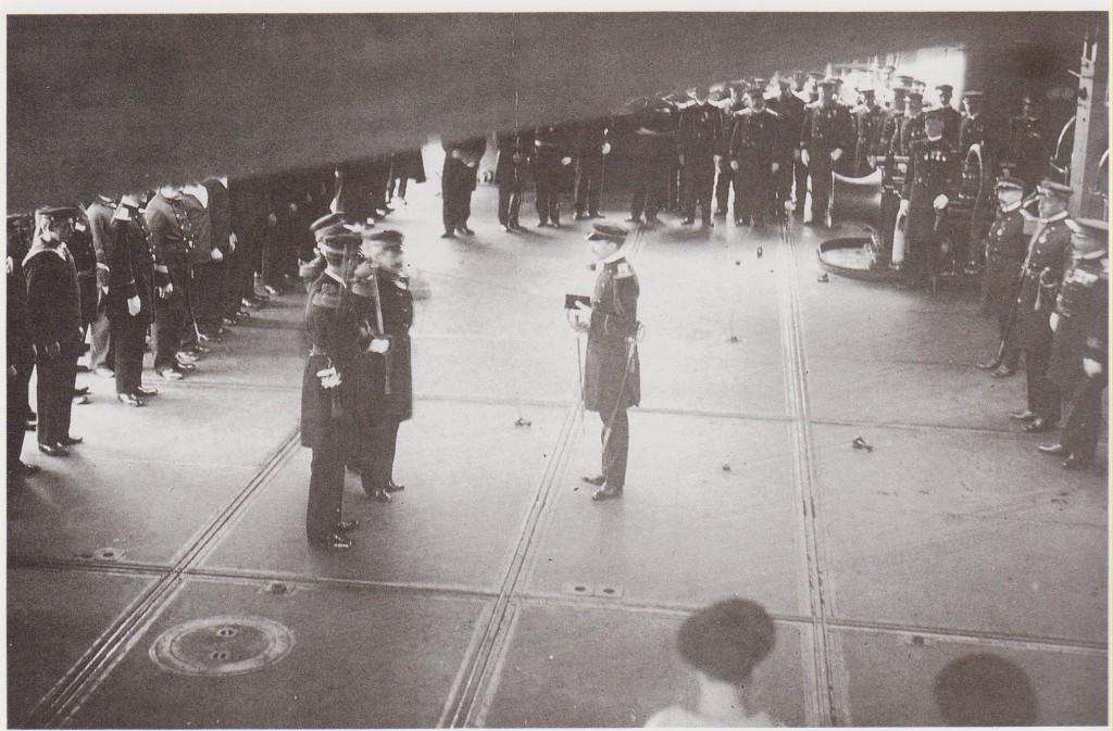 Pierre Loti décoré sur le Patrie 5 nov 1910