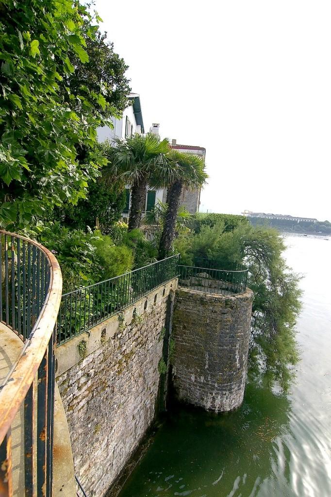 La tourelle centrale vue de la tour nord. GUERIN Gil ©CRMH Aquitaine