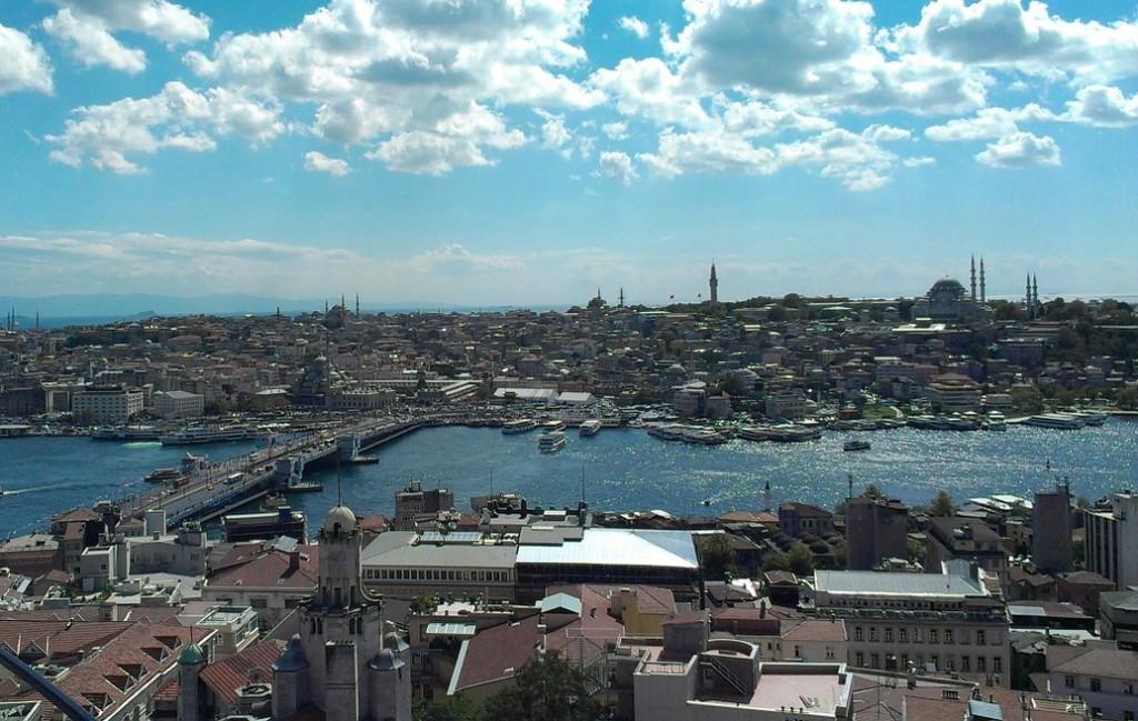 C'est l'un des monuments les plus célèbres et les plus visibles de la ville, en plein coeur de Beyoğlu, la tour de Galata