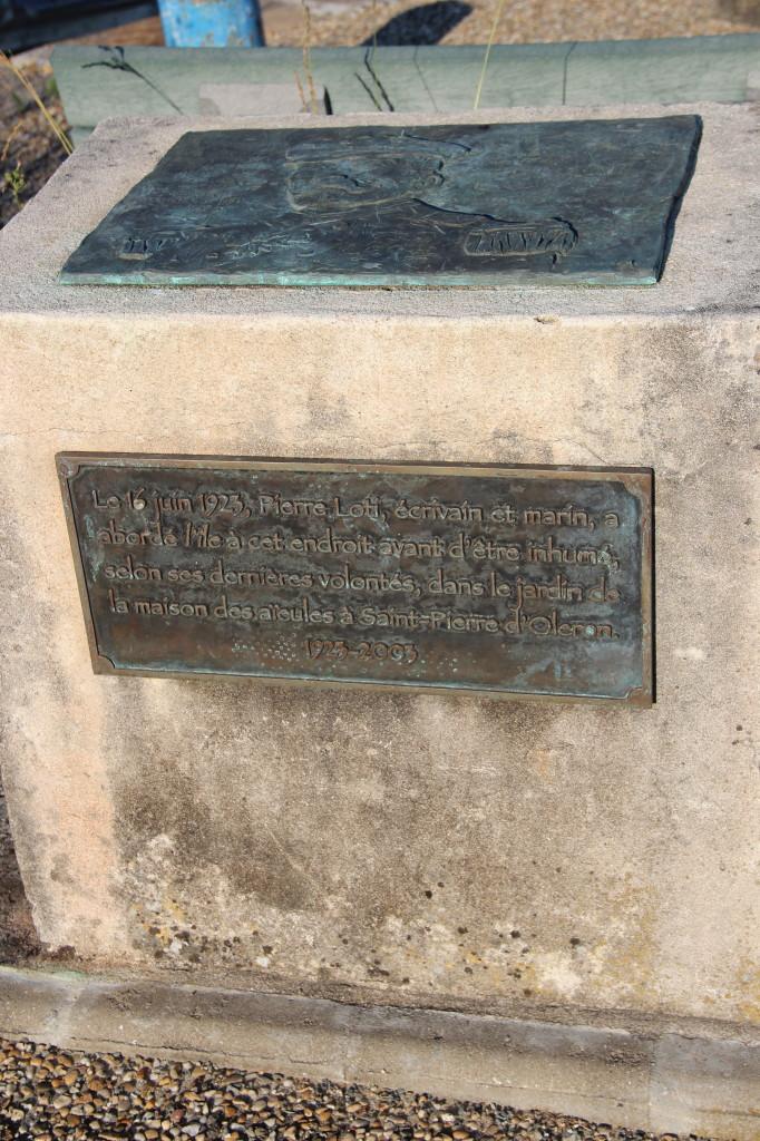 Boyardville-monument