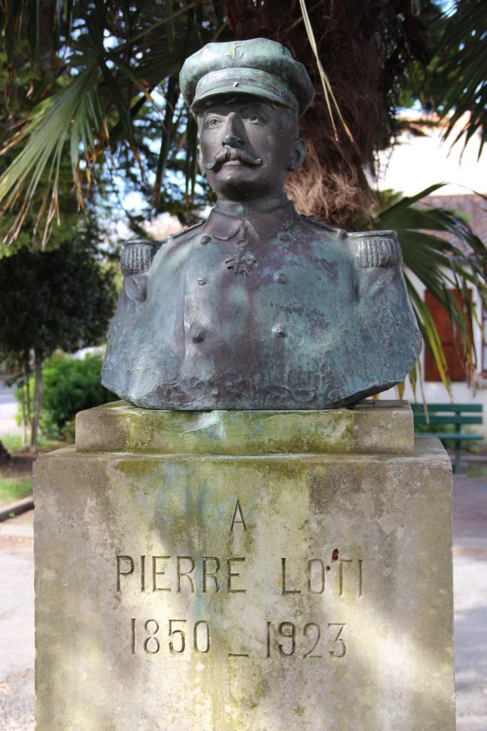 Buste LOTI 1 - Saint Pierre d'Oléron