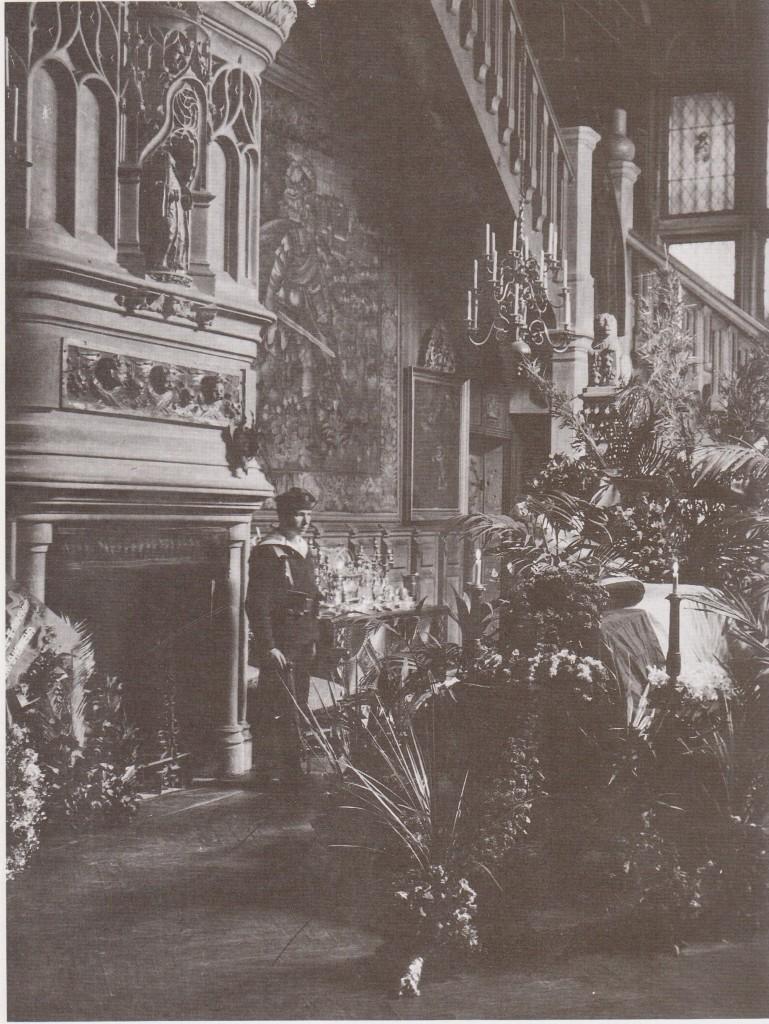 Cercueil-salle renaissance
