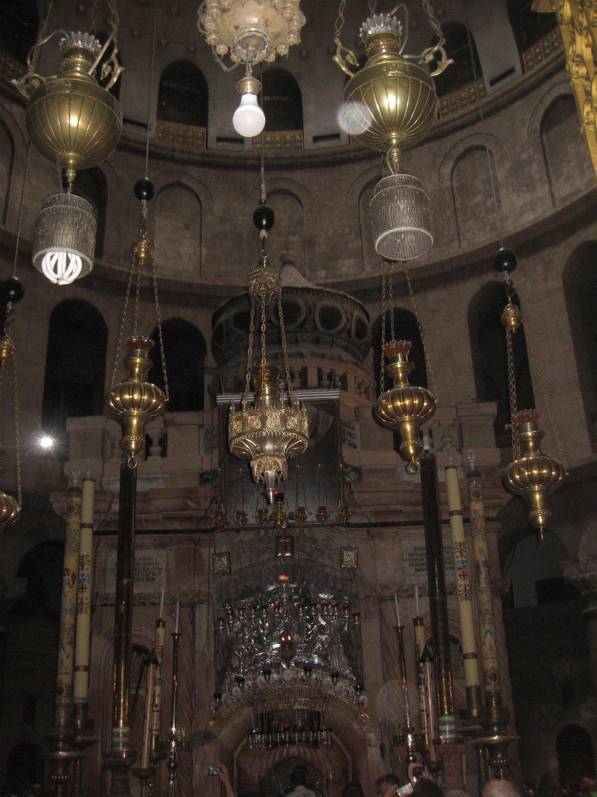 16-A l'intérieur du Saint-Sépulcre