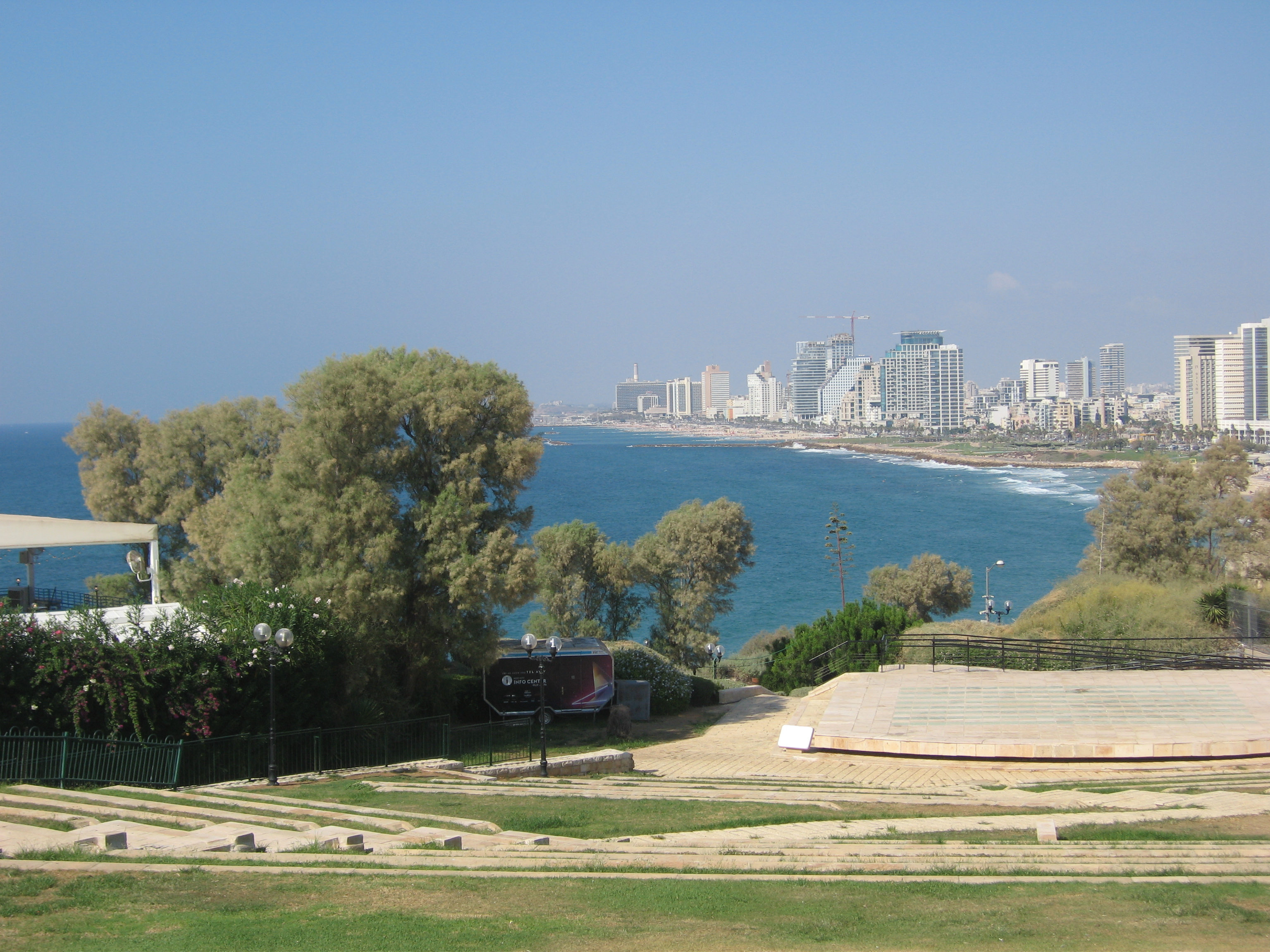 2-vue sur Tel Aviv depuis Jaffa-2