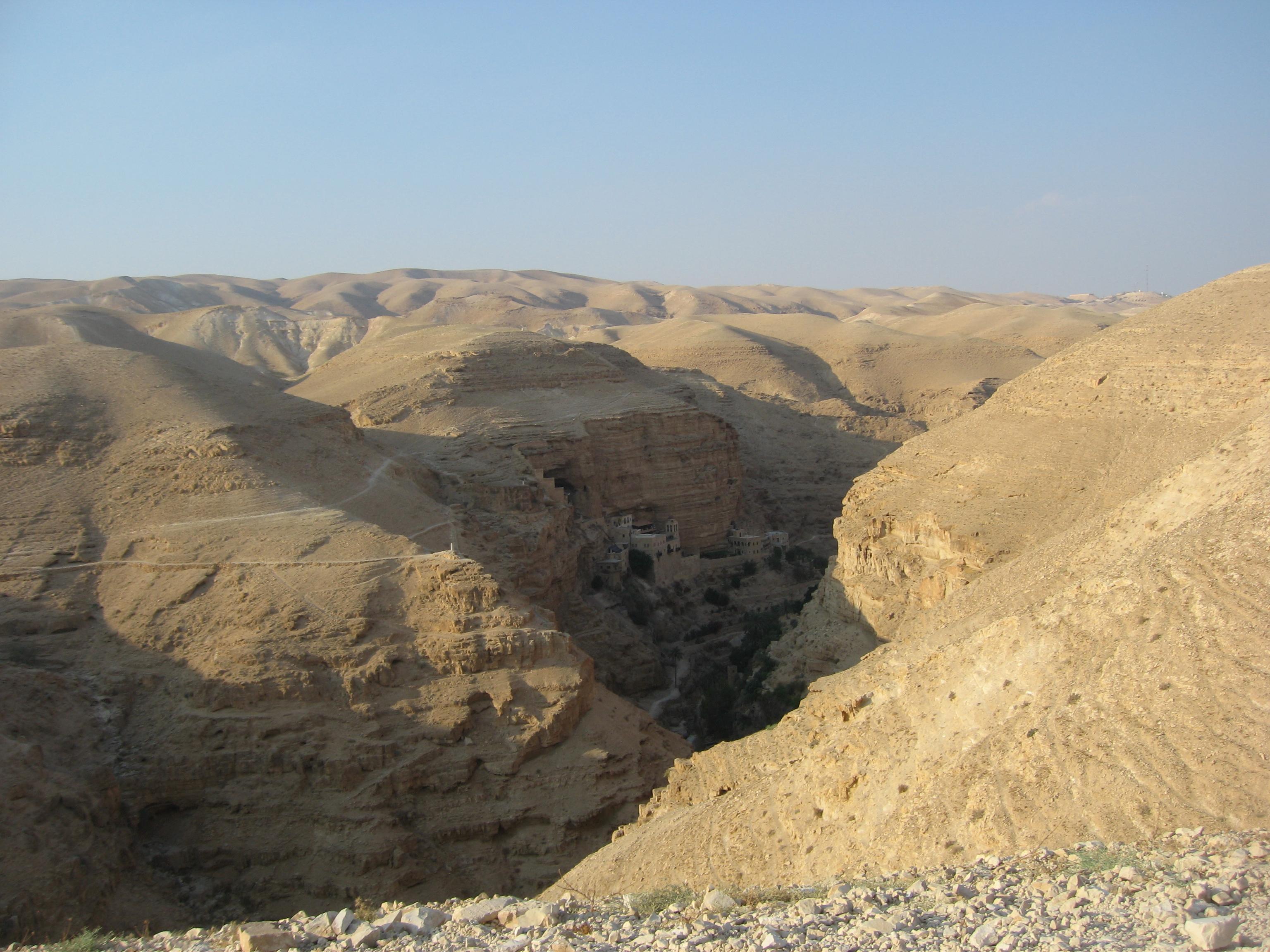 20-Vue sur le Monastère Saint Geoges dans le désert de Judée.