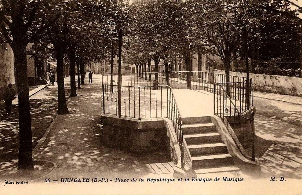 Le kiosque à musique d'Hendaye, place de la République, 1890 (Jean-Marc, 2018)