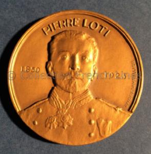 Médaille commémorative pour le lancement du paquebot Pierre Loti (1953) de la Compagnie des Messageries Maritimes, créée par André Lavrillier (1885-1858). V