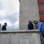 Tournage à Abbadia - Xavier devant la journaliste et le cameraman d'Arte